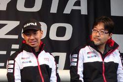小林可夢偉&村田久武パワーユニット開発部長(Kamui Kobayashi & Hisatake Murata)