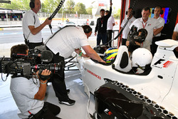 Zsolt Baumgartner, F1 Experiences, Doppelsitzer-Fahrer; Passagier Thomas Senecal, Journalist und Mod