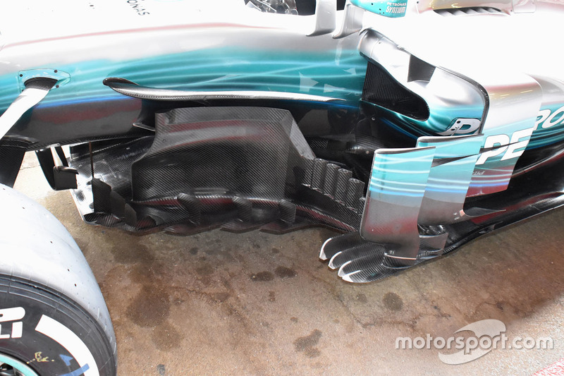 Mercedes AMG F1 W08 side detail