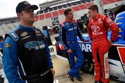 Wendell Chavous, Premium Motorsports Chevrolet eaves drops on Stewart Friesen, Elaine Larsen Motorsp