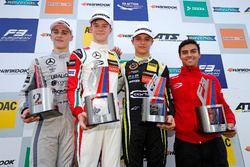 Podium: Race winner Callum Ilott, Prema Powerteam, Dallara F317 - Mercedes-Benz, second place Jake H