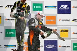 Rookie Podium: Winner Lando Norris, Carlin Dallara F317 - Volkswagen, second place Joey Mawson, Van Amersfoort Racing, Dallara F317 - Mercedes-Benz
