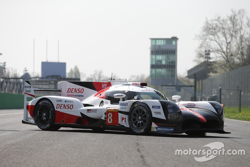 #8 Toyota Gazoo Racing, Toyota TS050 Hybrid: Anthony Davidson, Nicolas Lapierre, Kazuki Nakajima, du