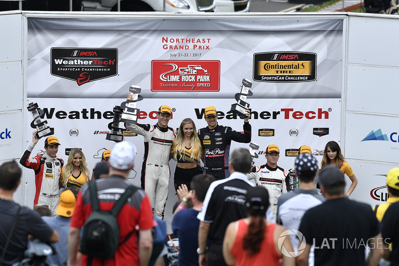 GTD Podio: Ganadores de la carrera Patrick Lindsey, Jörg Bergmeister, Park Place Motorsports, segund