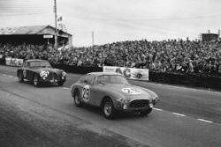 #29 Ferrari 212 Export: Jacques Peron, Norbert Mahe, #24 Aston Martin DB2: Reg Parnell, David Hampsh