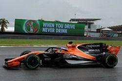 Fernando Alonso, McLaren MCL32 et le Halo