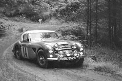 Timo Mäkinen, Don Barrow, Austin-Healey 3000