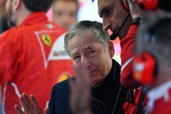 Jean Todt, FIA President en el garaje de Ferrari