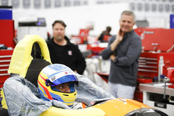 Fernando Alonso moule son baquet