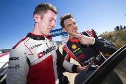 Winnaar Thierry Neuville, Hyundai Motorsport, tweede plaats Elfyn Evans, M-Sport