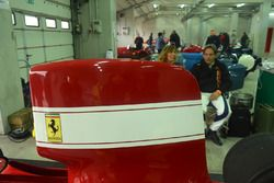 La Ferrari 312 B3 e in secondo piano Alex Caffi all'Historic Minardy Day