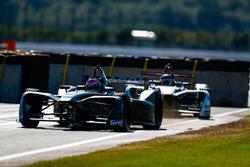 Mitch Evans, Jaguar Racing leads Daniel Abt, Audi Sport ABT Schaeffler