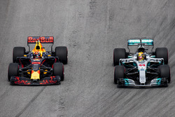 Lewis Hamilton, Mercedes AMG F1 W08, Max Verstappen, Red Bull Racing RB13, battle for the lead