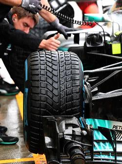 Mercedes-Benz F1 W08  front Pirelli tyre