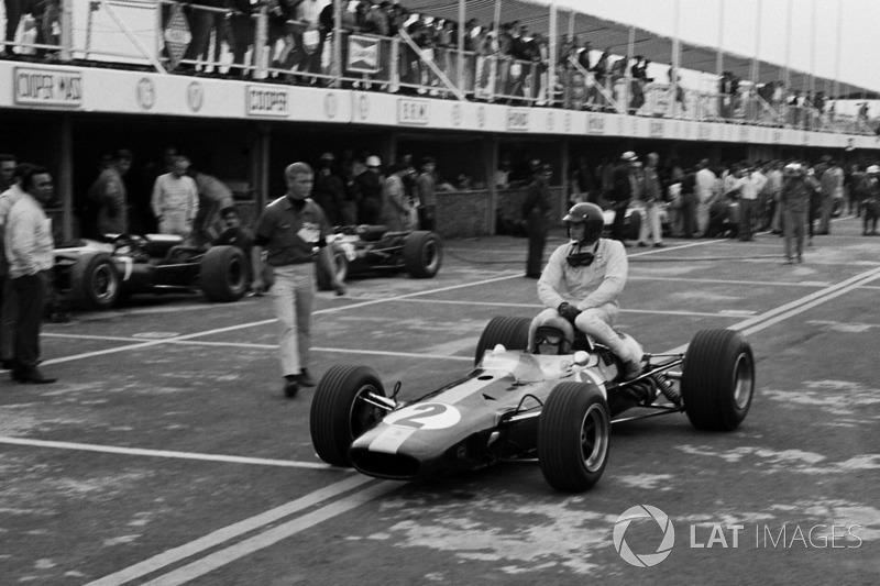 Meksiko 1966: Jim Clark (Lotus) menumpang Peter Arundell (Lotus)