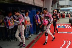 Гонщики Sahara Force India F1 Серхио Перес и Эстебан Окон, Пьер Гасли, Scuderia Toro Rosso