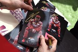 Kimi Raikkonen, Ferrari autograph