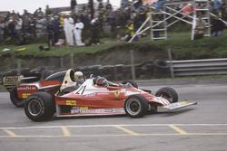 Gilles Villeneuve, Ferrari 312T2 dépasse Jody Scheckter, Wolf Ford