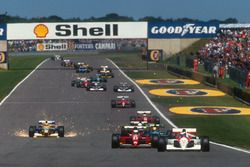 Gerhard Berger, McLaren MP4/6 Honda, Alain Prost, Ferrari 643, Mauricio Gugelmin, Leyton House CG911 Ilmor, Stefano Modena, Tyrrell 020 Honda and a super sparking Nelson Piquet, Benetton B191 Ford, at the start