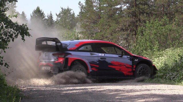 Thierry Neuville i Nicolas Gilsoul - Testy