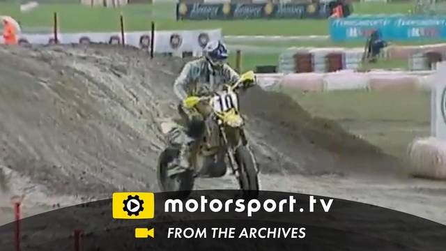 Supermoto: slippery hill