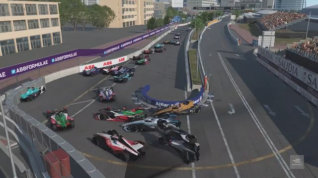 Formula E Race At Home Challenge: Round 4 - Challenge Race Start