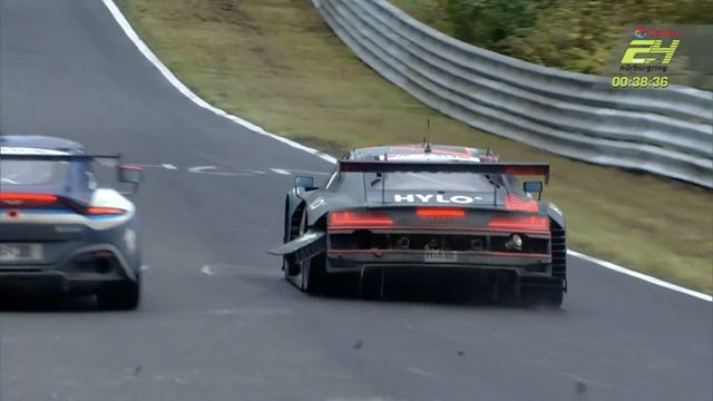 24h Nurburgring - No.1 Audi Puncture