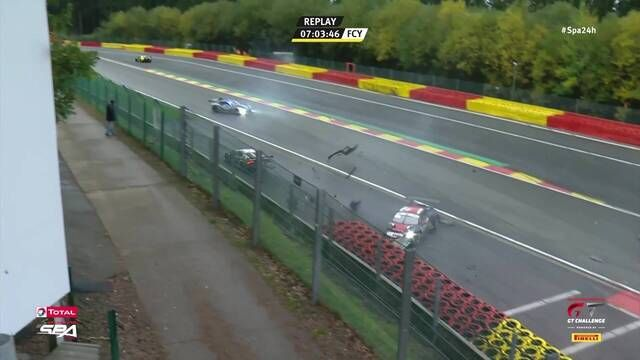 24h Spa: Unfall in Eau Rouge