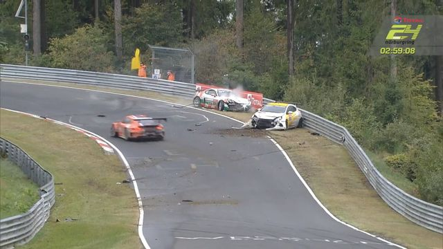 24h Nurburgring - Porsche and Opel Crash