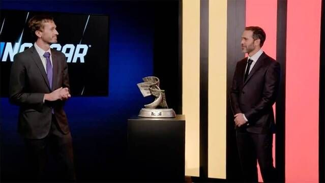 Jimmie Johnson earns Bill France Award of Excellence