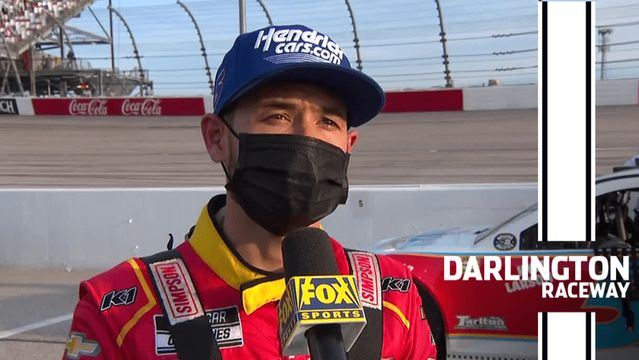 Larson breaks down Darlington: 'I'm struggling but I'm fast'