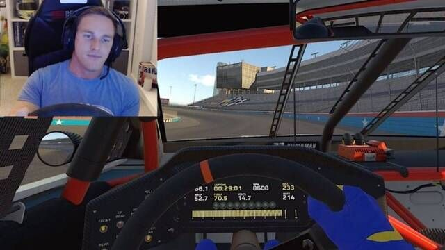 Parker Kligerman explains a lap around Texas on iRacing