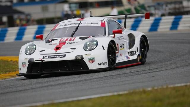 New Porsche 911 RSR takes pole on debut at Daytona 24 Hours