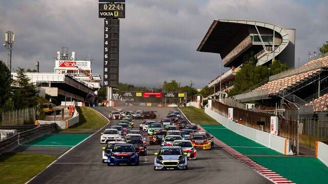 TCR Europe: Barcelona race 2 start