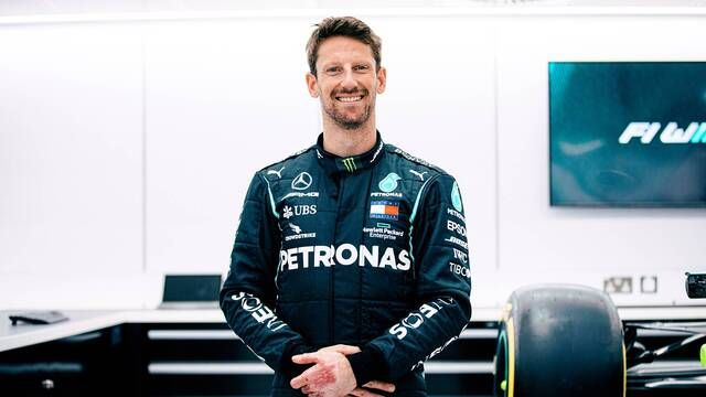 Romain Grosjean dans la Mercedes à Brackley