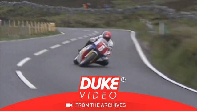 Carl Fogarty wins the three-way battle at Isle of Man