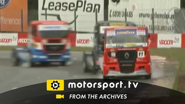 Truck racing: Onboard angles