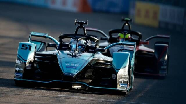 Formula E - Episode 3 - Build it and they will come