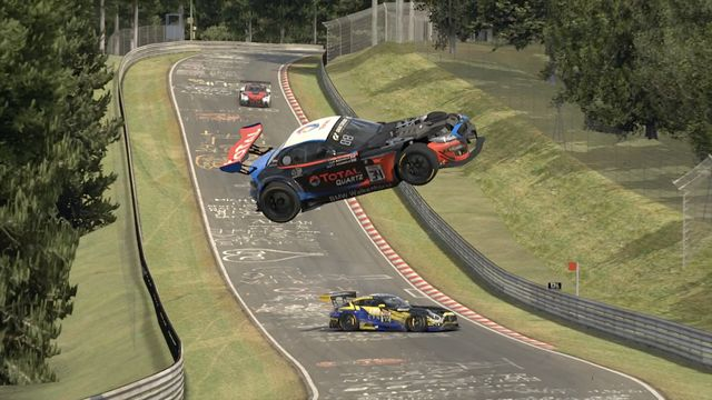 Esports en Nürburgring: accidente espectacular