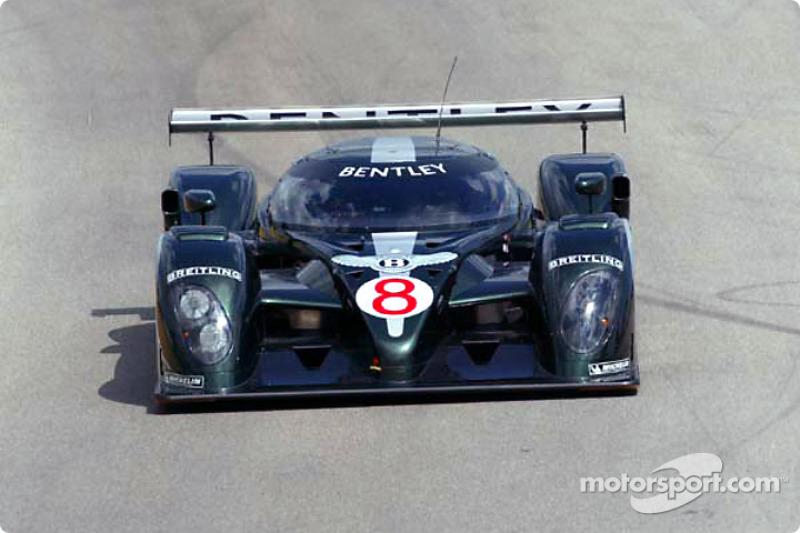 Bentleys arrive for private test at Sebring