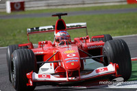 Barrichello to sit out testing