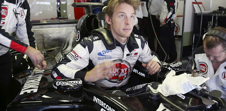 Button aiming for race wins
