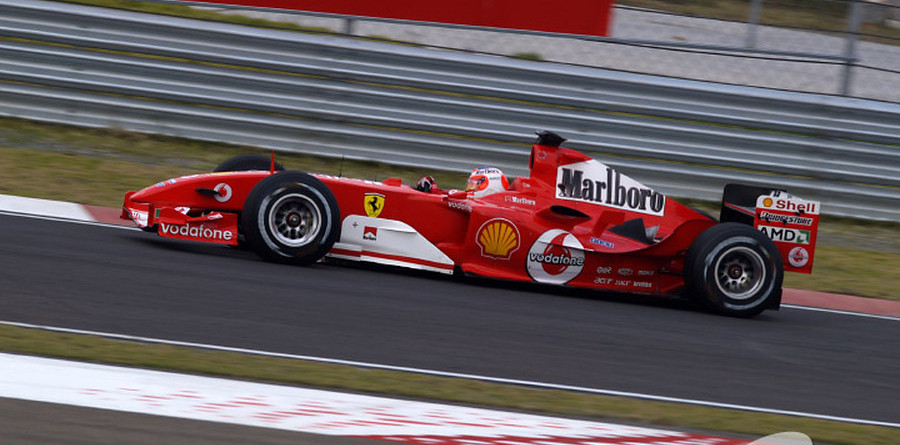 Barrichello scores pole position for Chinese GP