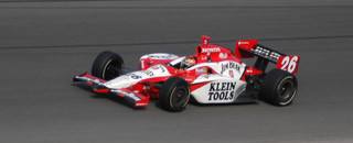 IndyCar IRL: Wheldon holds on to score win in Homestead