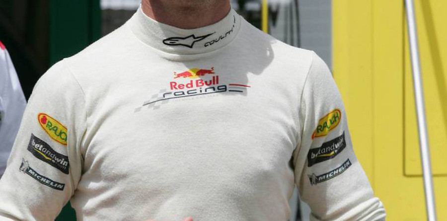 Coulthard to stay with Red Bull for 2006