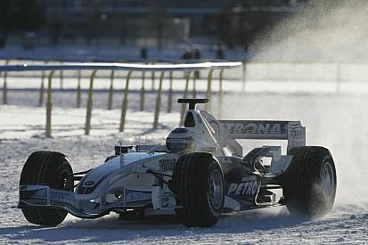 Tarihte bugün: Heidfeld buz üstünde gösteri sürüşü yapıyor