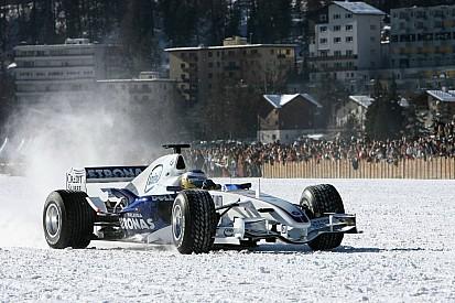 F1オン・ザ・スノー:雪の上を走ったF1マシンたち