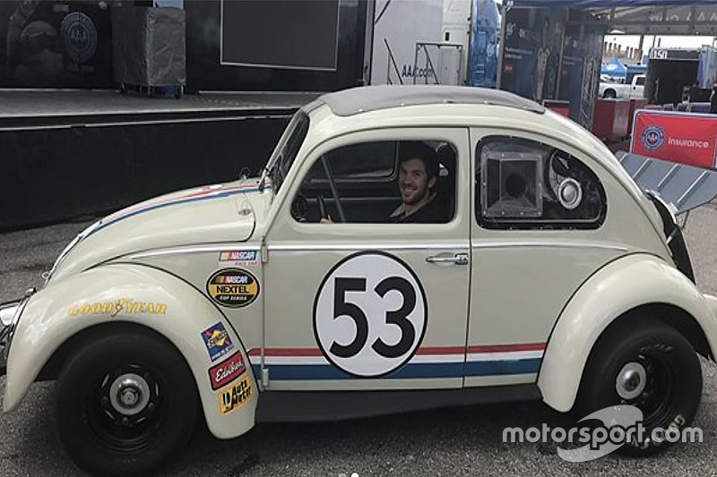 VIDEO: Daniel Suárez da un paseo con Herbie