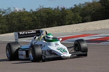Keke Rosberg futamgyőztes Williamsét viheti pályára Karun Chandhok Thruxtonban