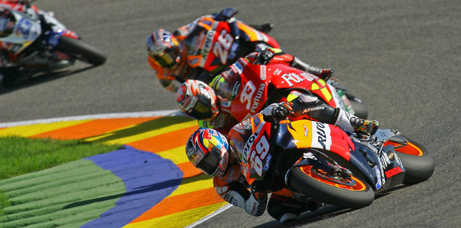 Hayden is 2006 champion as Rossi falls in Valencia